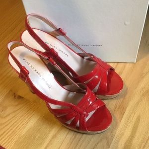Red patent leather Marc by Marc Jacobs wedges